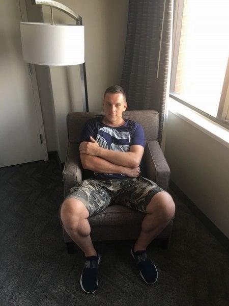 Woody harrelson pissing