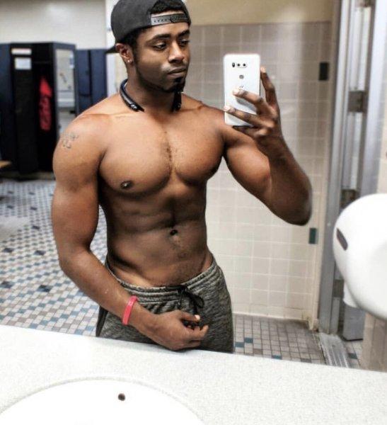 Masseurvickk, Erotic & Therapeutic Gay Massage in