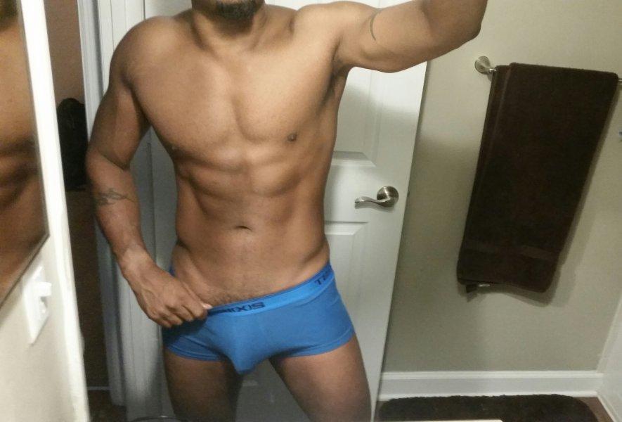 RhomanFoxxx, Erotic & Therapeutic Gay Massage in